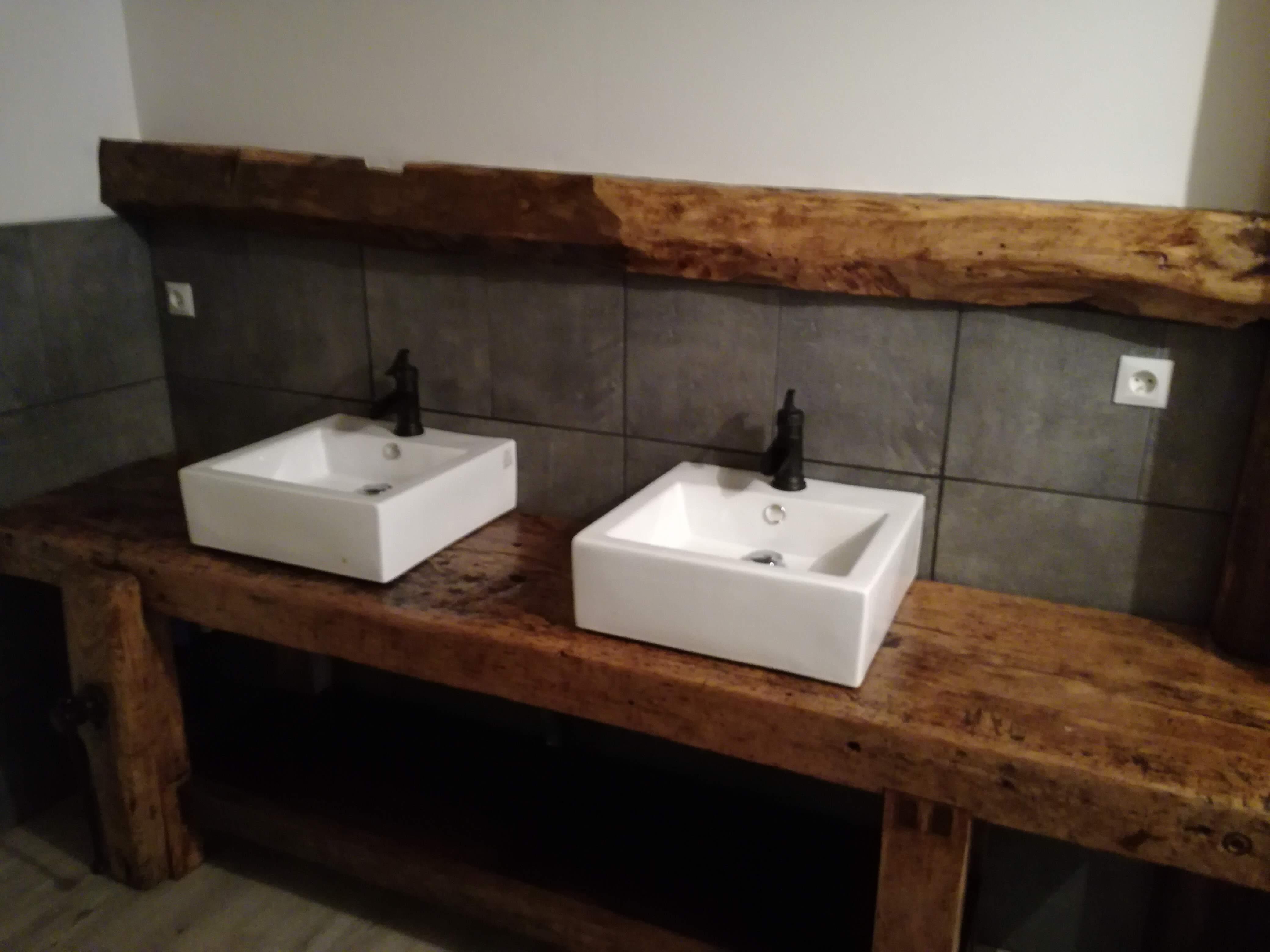 Meuble de salle de bain style établi  Alexandre VERNAZ, artisan